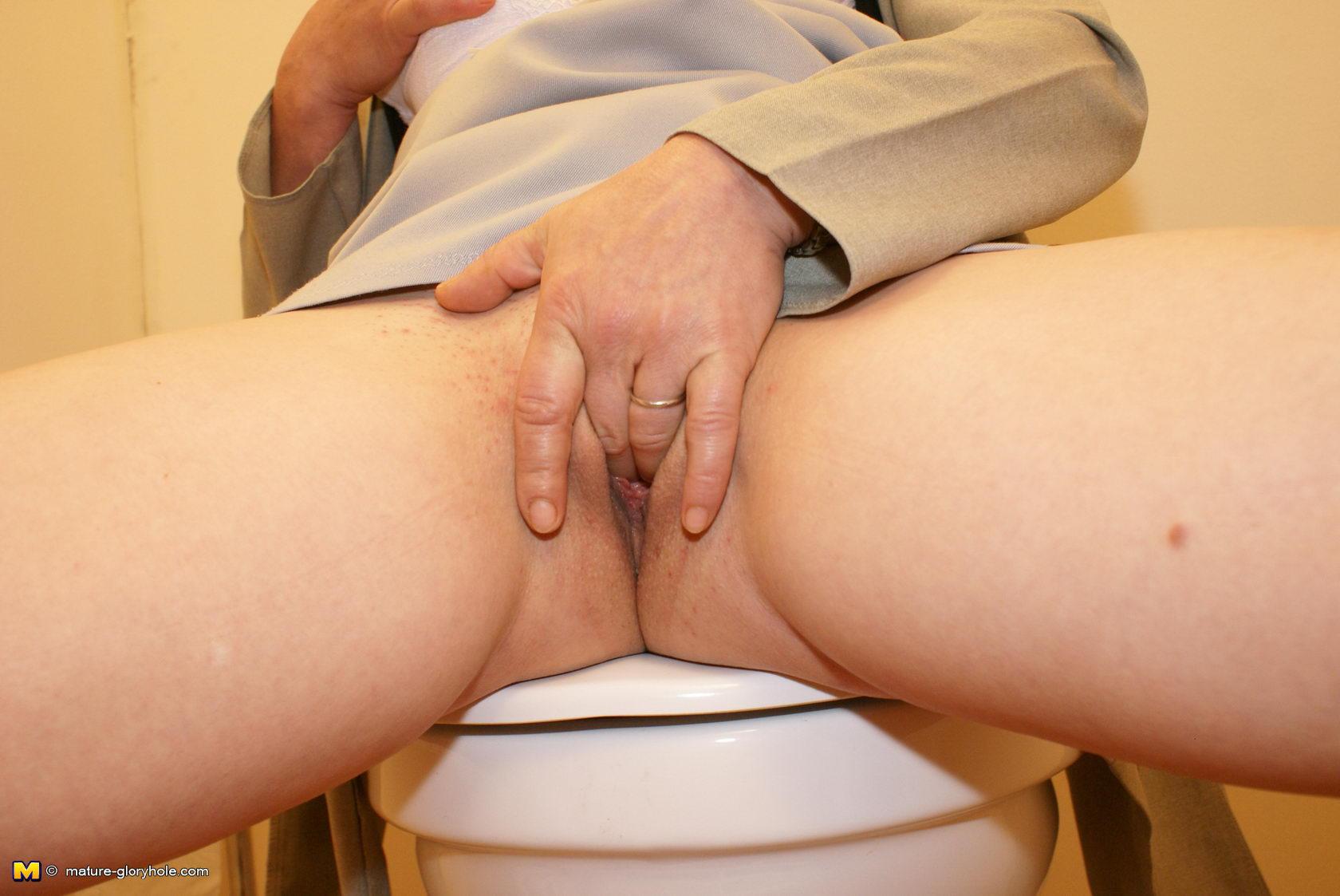 horny midgets in glory hole