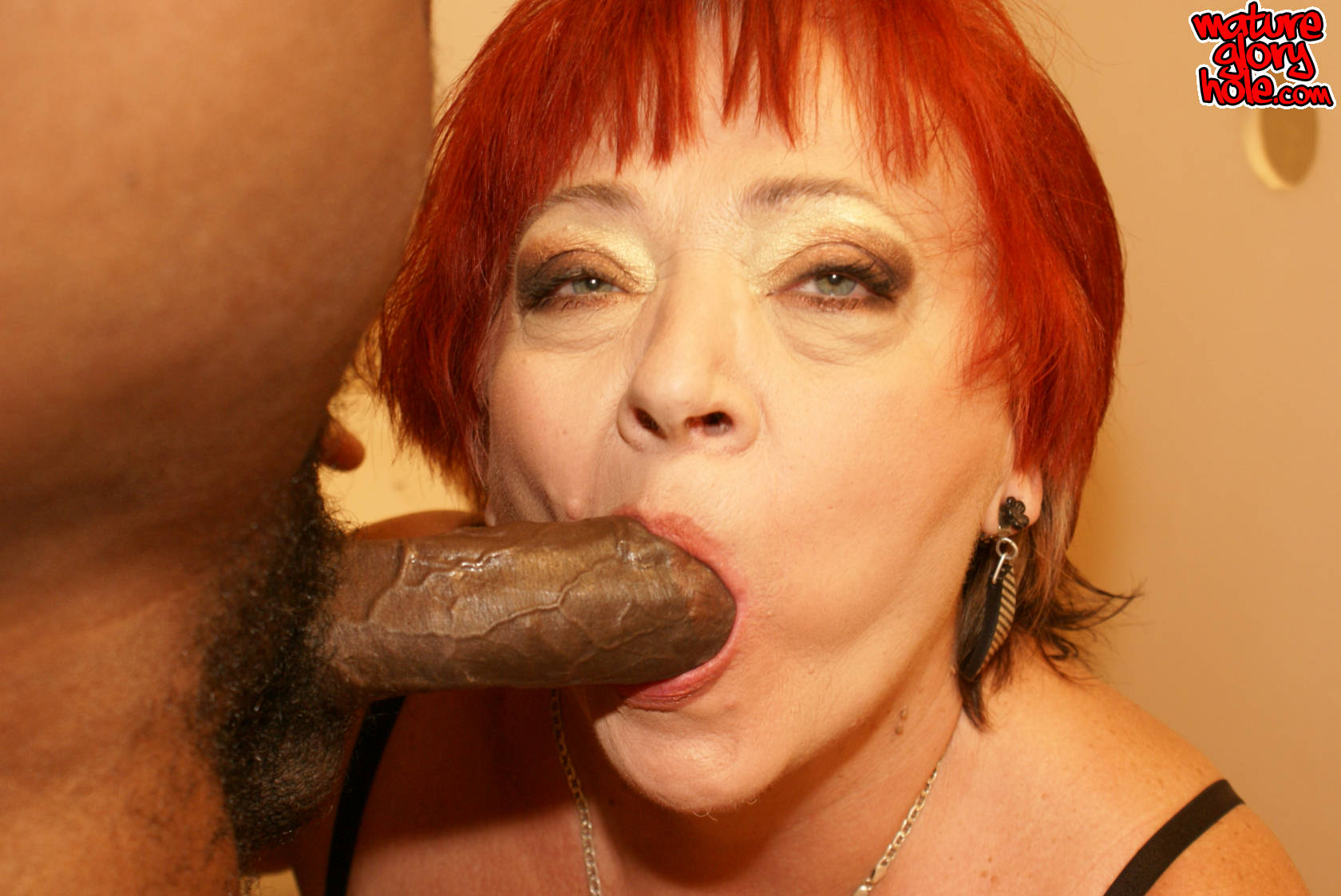 Steaming granny enjoys big manstick