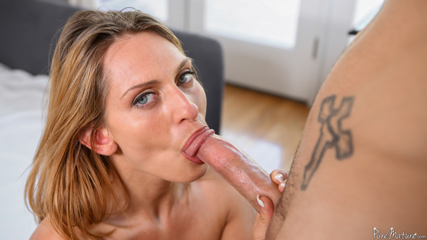 Satisfy your milf fetish with Pure Mature!